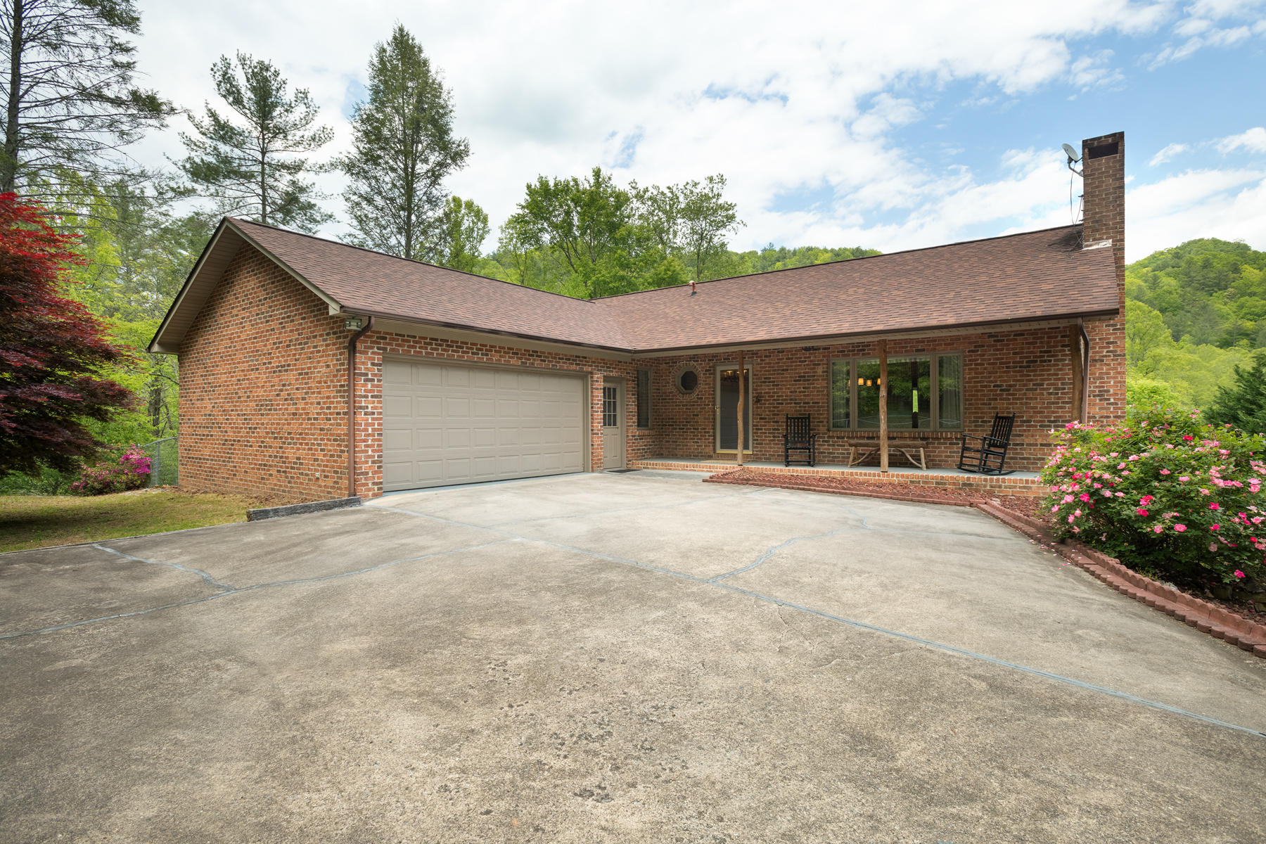 921 Meadow Road- SOLD 2020